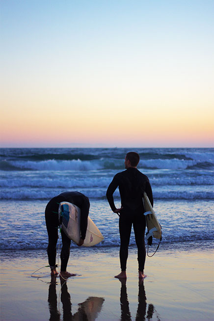 Surf holidays on a budget for beginner