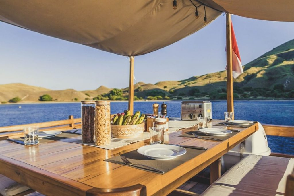 Seaside Breakfast at Komodo Liveaboard