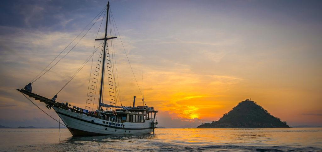 Scuba Diving Komodo Season & Best Time To Visit
